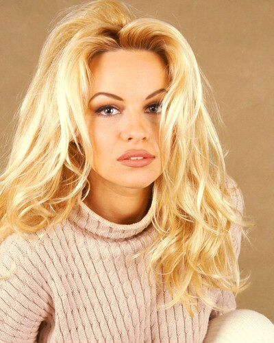 Pamela Anderson Photo Gallery